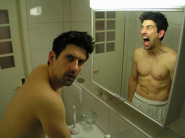 Что мы видим иногда смотря в зеркало?