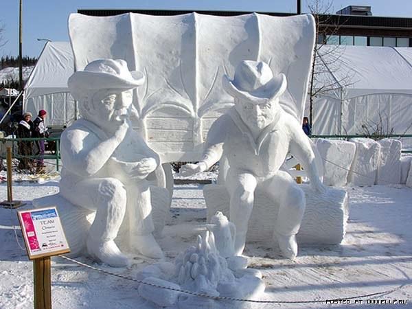 Снежные скульптуры.