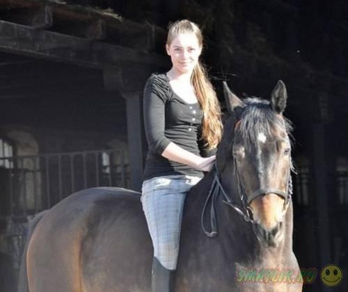 Девушки на лошадях