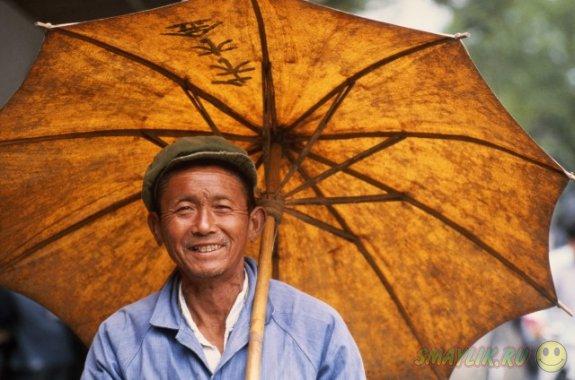 В Китае обязали навещать  стареньких родителей