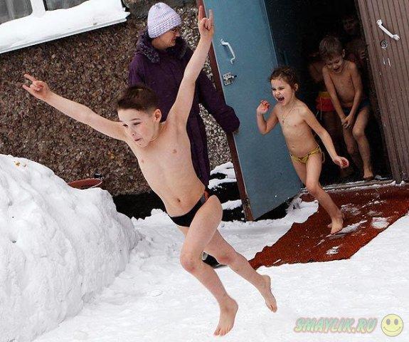 В Барнауле дети закаляются с младенчества