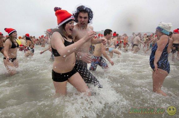 """Бельгийские """"моржи"""" искупались в ледяном море"""