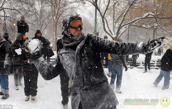 В Сиэтле состоялась  массовая снежная битва
