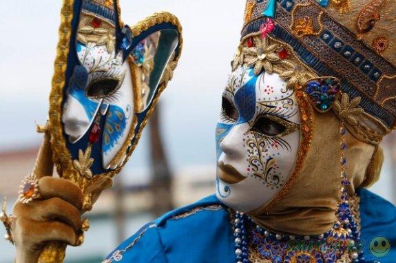 В Италии открылся  традиционный венецианский карнавал