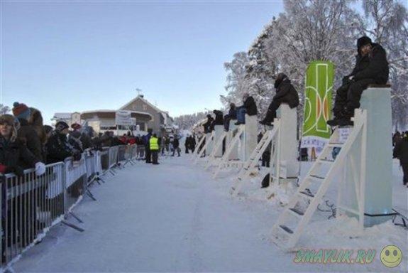 В шведском городке прошел турнир по сидению на ледяных столбах