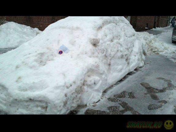 Полицейские выписали штраф снежной копии автомобиля Volkswagen Beetle