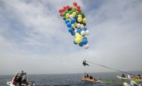 Уроженец ЮАР совершил полет над водами Атлантики на воздушных шарах