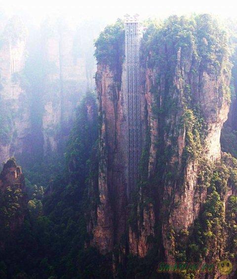 Самый высокий открытый лифт - «Лифт Ста Драконов»