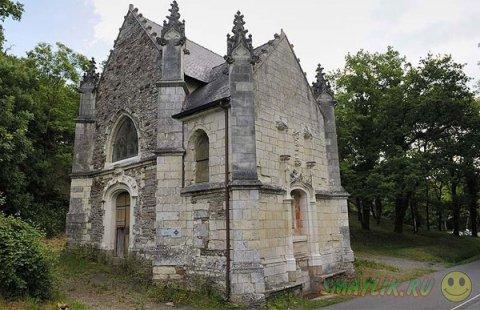 Маленькая средневековая Церковь Вифлеема в провинции  Франиции