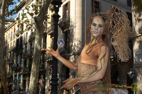 Живые статуи на главных улицах городов мира