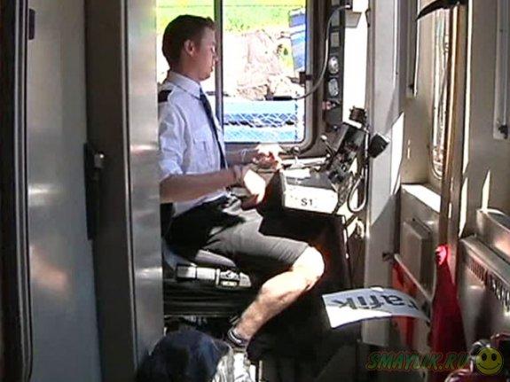 Машинисты-мужчины  в Швеции надели юбки для работы в жаркую погоду