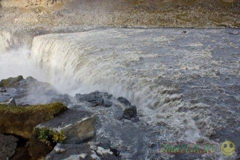 Деттифосс - самый мощный в Европе водопад