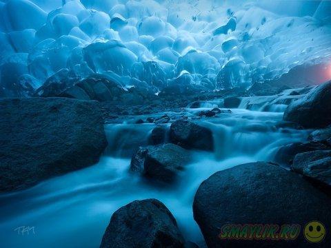 Красота глубин ледника Менденхолл