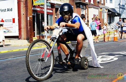 В США состоялись гонки на унитазах