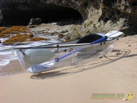 Совершенно прозрачные лодки для романтической прогулки по воде
