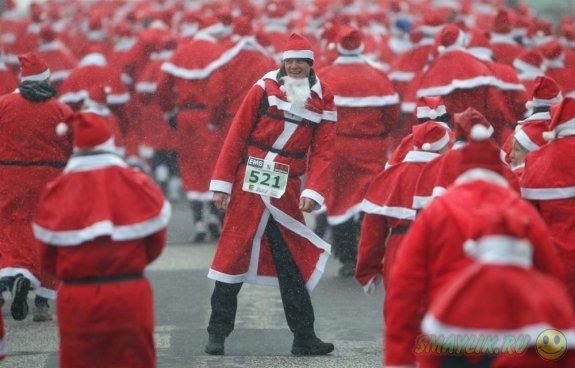 Массовый забег Санта-Клаусов по улицам Сиднея