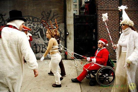"""В Нью-Йорке прошел фестиваль """"Сантакон"""""""