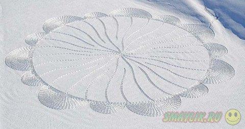 Геометрические узоры на снегу