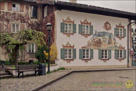 Расписанные фресками дома в боварской деревеньке Обераммергау