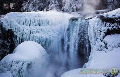 Ниагарский водопад во время минусовых температур