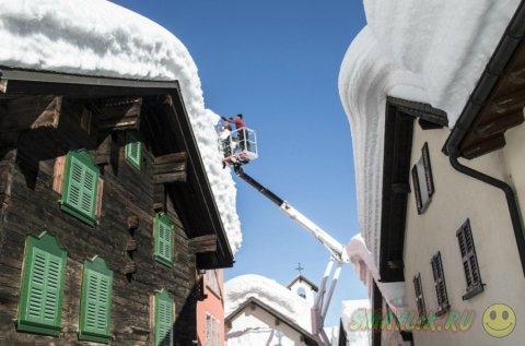 Зима в швейцарском городе Бедретто