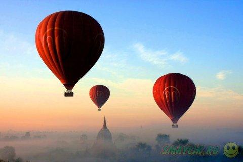Воздушные шары парящие в небе