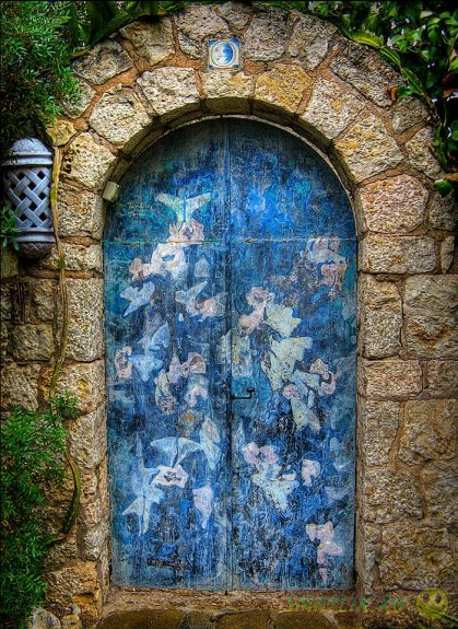 Красочные узоры входных дверей из разных уголков мира