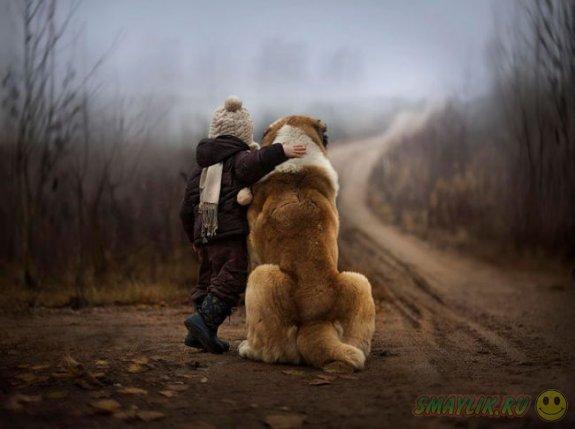 Собаки могут быть хорошими друзьями  детям