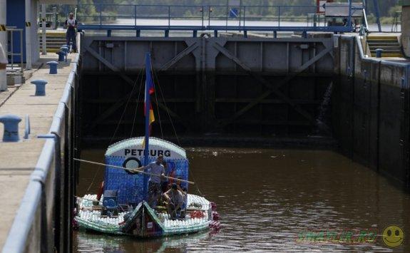 Увлекательное путешествие от Нимбурка до Гамбурга на лодке из пластиковых бутылок