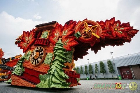 Bloemencorso - самый большой парад цветочных скульптур в мире