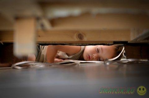 Малыши могут уснуть в любых условиях и прекрасно при этом выспаться