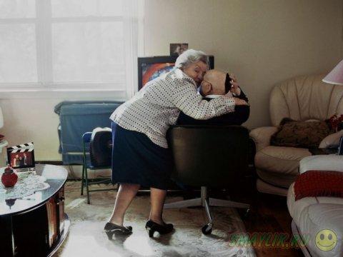 Нежные чувства супружеских пар, женатых на протяжении более 50 лет